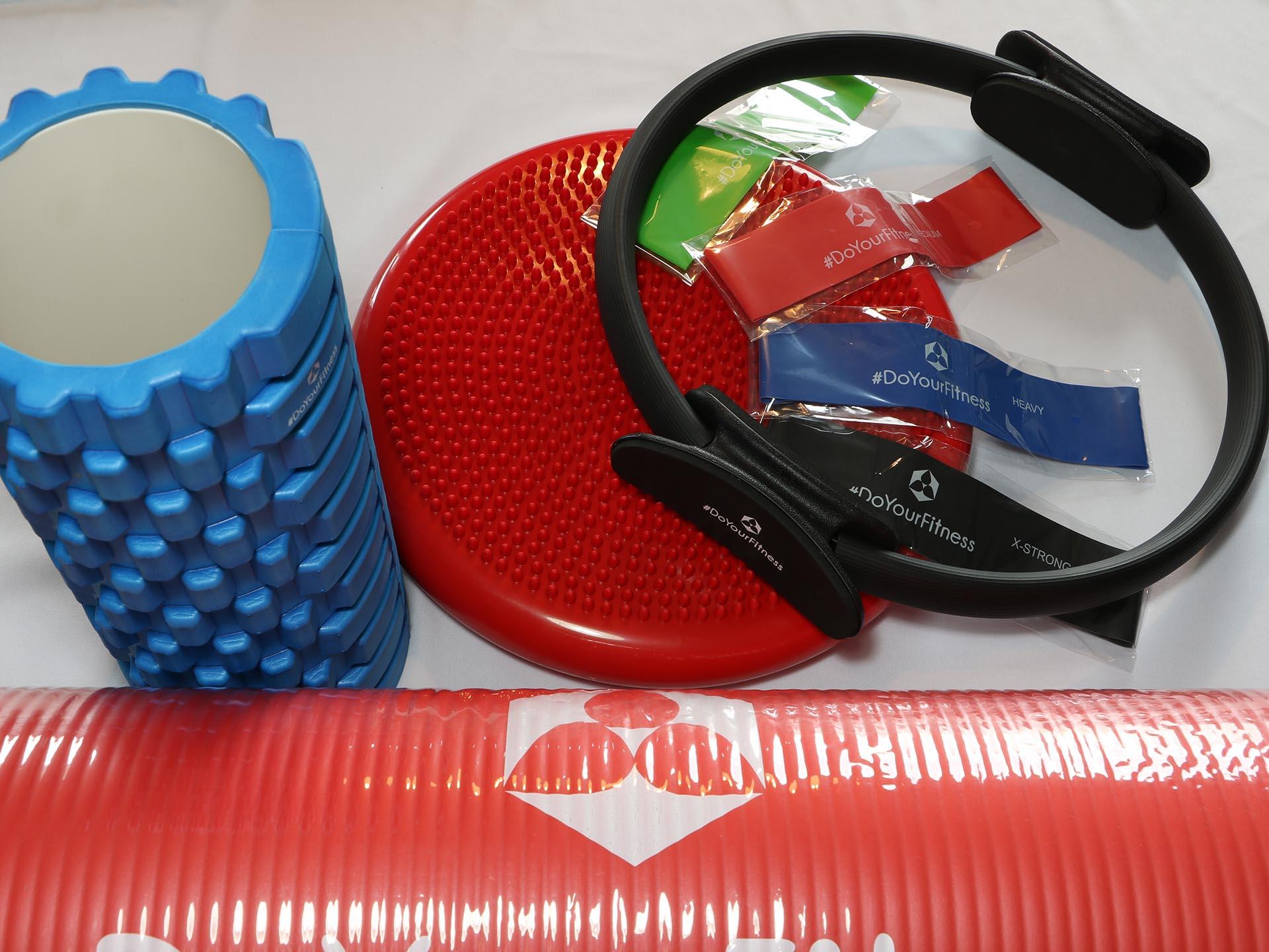 Pilates Ring, Trainigsmatte, Fitnessbänder, Faszienrolle, Ballsitzkissen